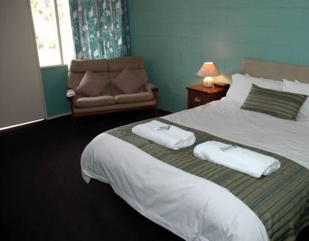 The Bay Motel - Safety Beach - Surfers Paradise Gold Coast