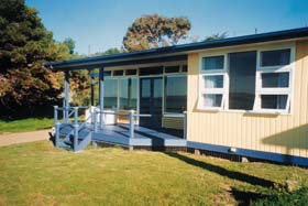 Eskavy Beach House - Surfers Paradise Gold Coast