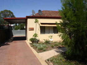 Loxton Smiffy's Bed And Breakfast Sadlier Street - Surfers Paradise Gold Coast