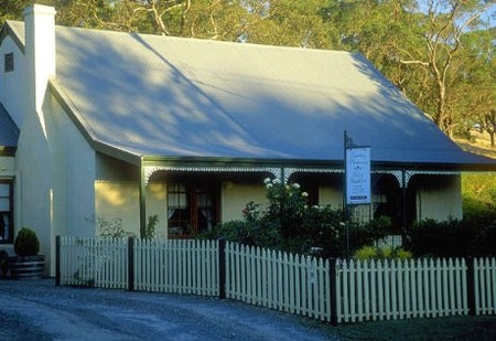 Country Pleasures Bed and Breakfast - Surfers Paradise Gold Coast