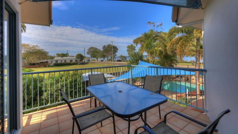 Dolphin Waters Holiday Apartments - Surfers Paradise Gold Coast