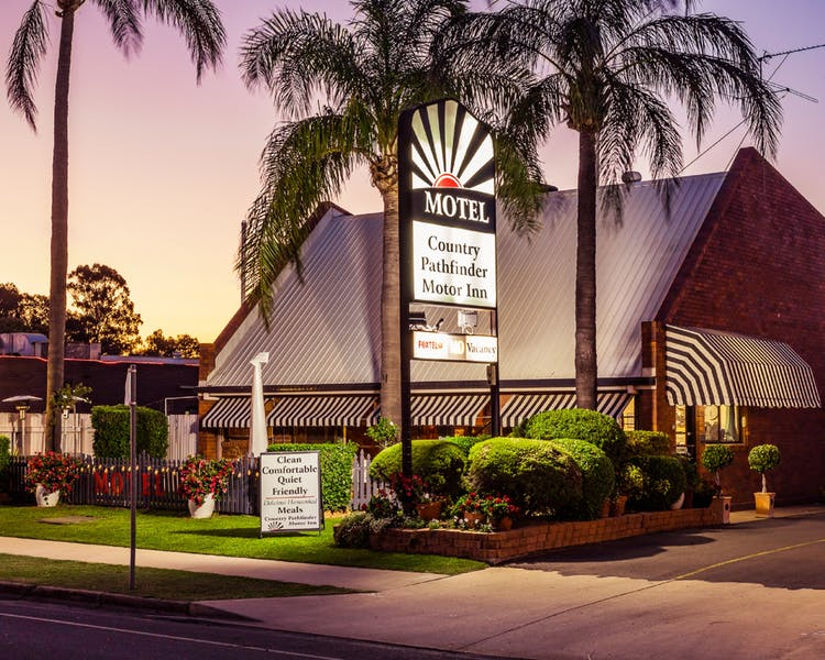 Country Pathfinder Motor Inn - Surfers Paradise Gold Coast