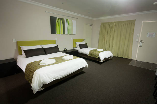Drovers Motor Inn - Surfers Paradise Gold Coast
