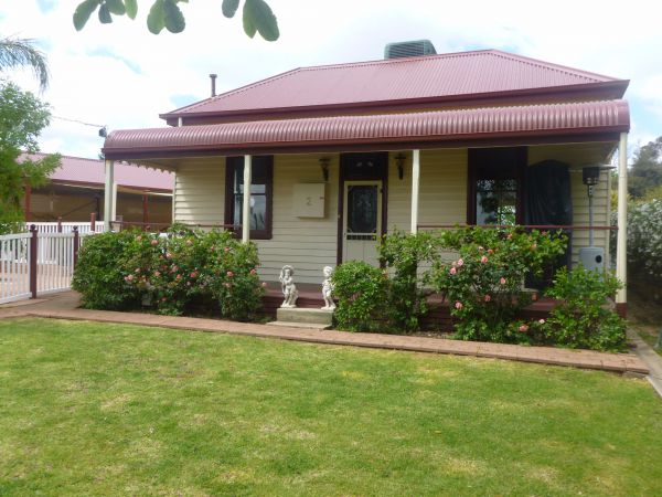 Country Cottages BB - Surfers Paradise Gold Coast