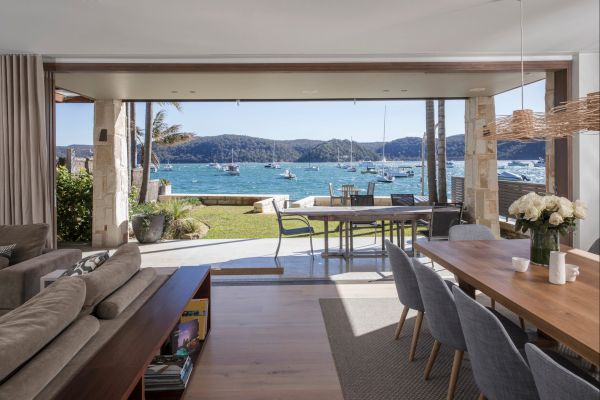 Pittwater Beach House - Surfers Paradise Gold Coast
