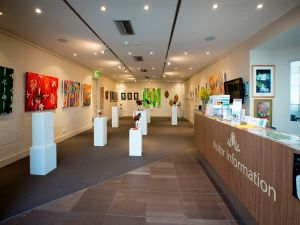 Australian National Botanic Gardens Visitor Centre Gallery - Surfers Paradise Gold Coast