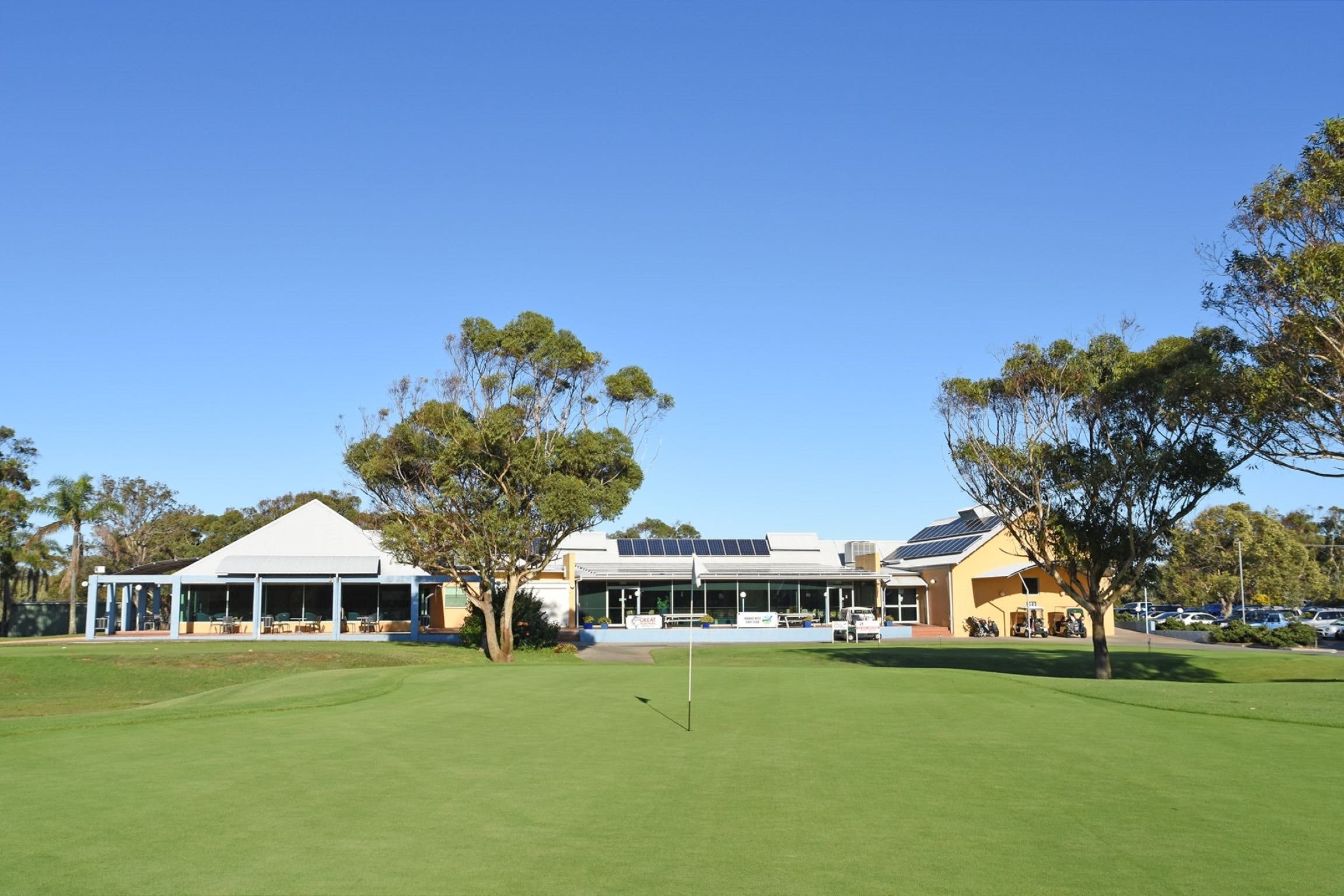 Hawks Nest Golf Club - Surfers Paradise Gold Coast