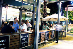 Luxe Resturant  Wine Bar - Surfers Paradise Gold Coast