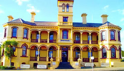 The Queenscliff Historic Royal Hotel - Surfers Paradise Gold Coast