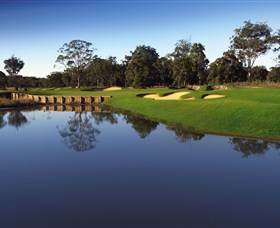 Kooindah Waters Golf Club - Surfers Paradise Gold Coast