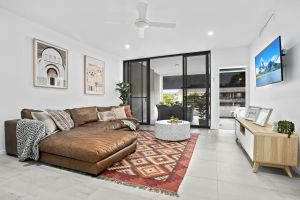 No 5 Rockpool 69 Ave Sawtell - Surfers Paradise Gold Coast