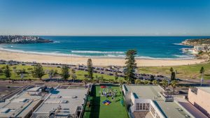 Wake Up Bondi Beach - Surfers Paradise Gold Coast