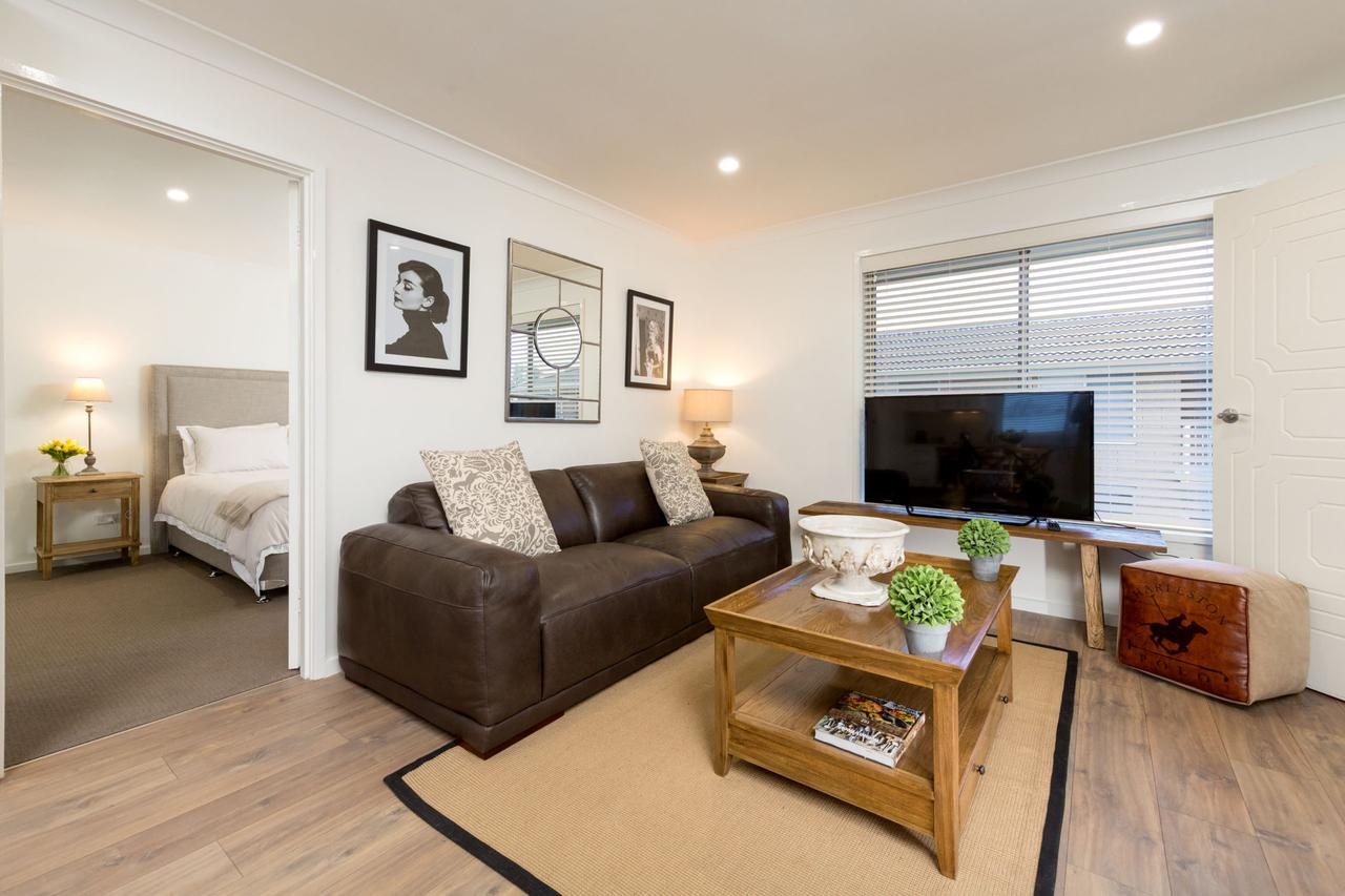 Sleeping in Style - Central  Sophisticated - Surfers Paradise Gold Coast
