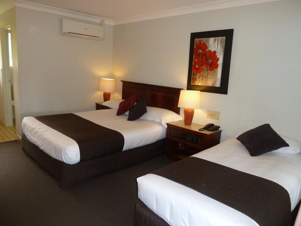 McNevins Warwick Motel - Surfers Paradise Gold Coast