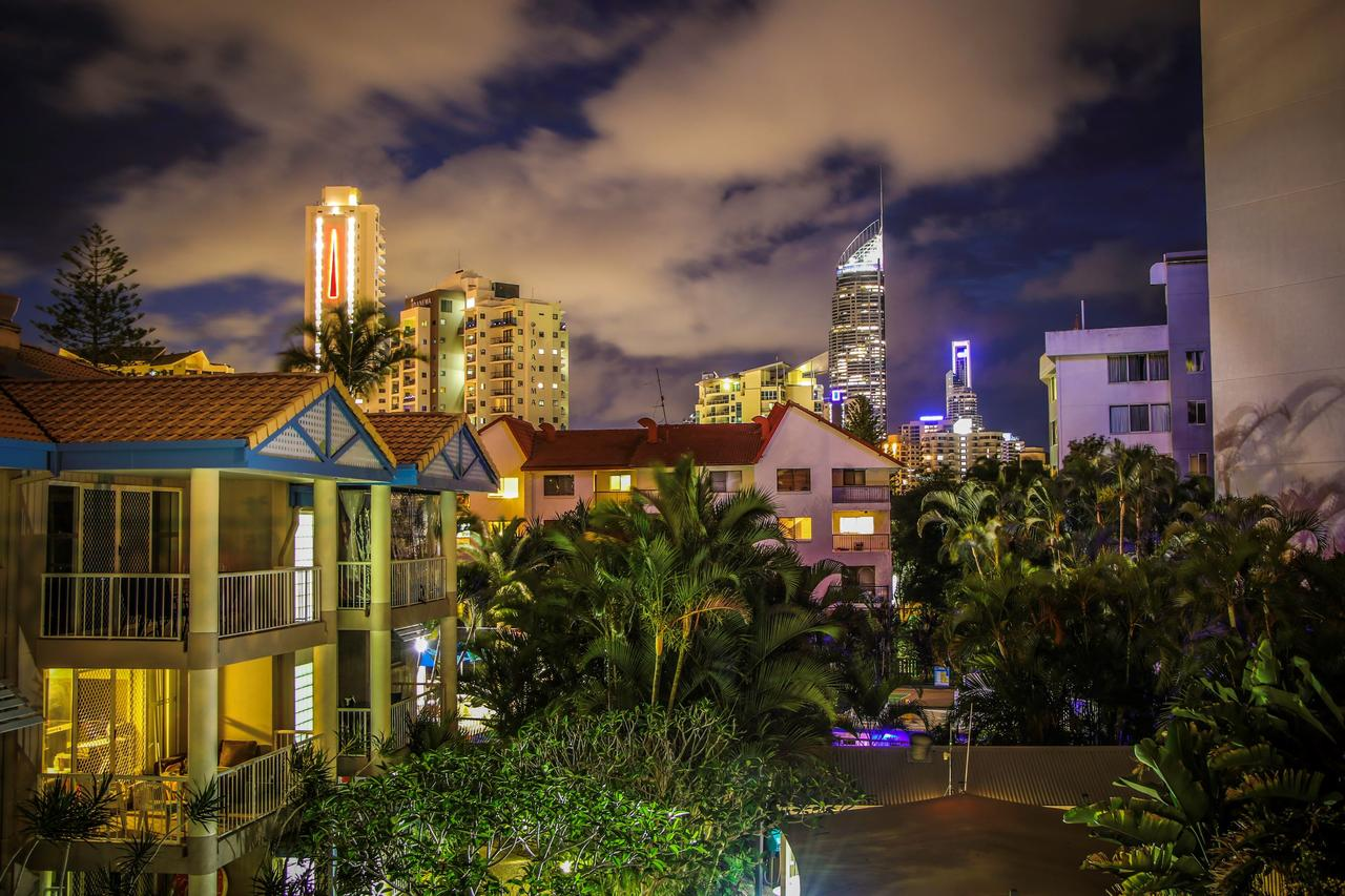 Surfers Beach Holiday Apartments - Surfers Paradise Gold Coast