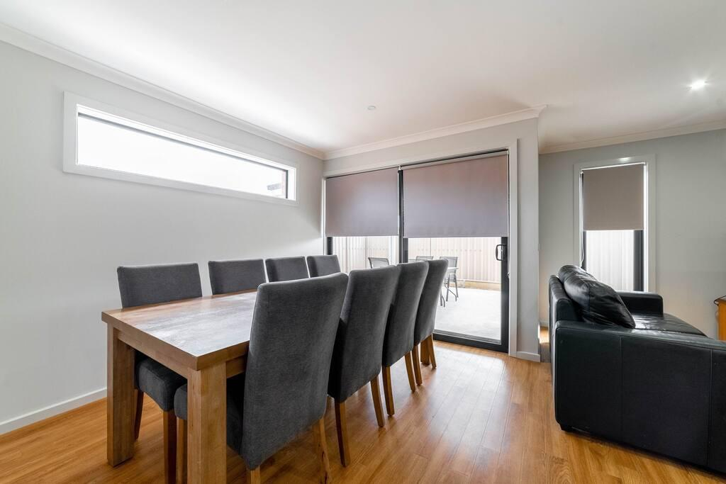 Averys Retreat - Surfers Paradise Gold Coast