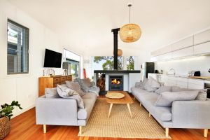 Ayana Beach House - Pet Friendly - Opposite Beach - Surfers Paradise Gold Coast