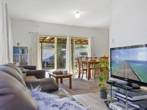 Beach Escape  Currarong - basic family accommodation - Surfers Paradise Gold Coast